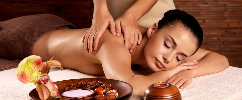 Общий массаж: польза и особенности